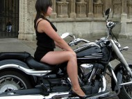 beauty on the beast / Girls & Motorcycles