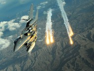 F-15 Strike Eagle Deploys Countermesures / Military Airplanes