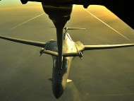 Aerial Refueling Of A B-1B Lancer / Military Airplanes