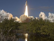 Columbia's Last Roars To Space, 1-16-2003 / Space Ships