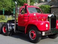 Old Mack / Trucks