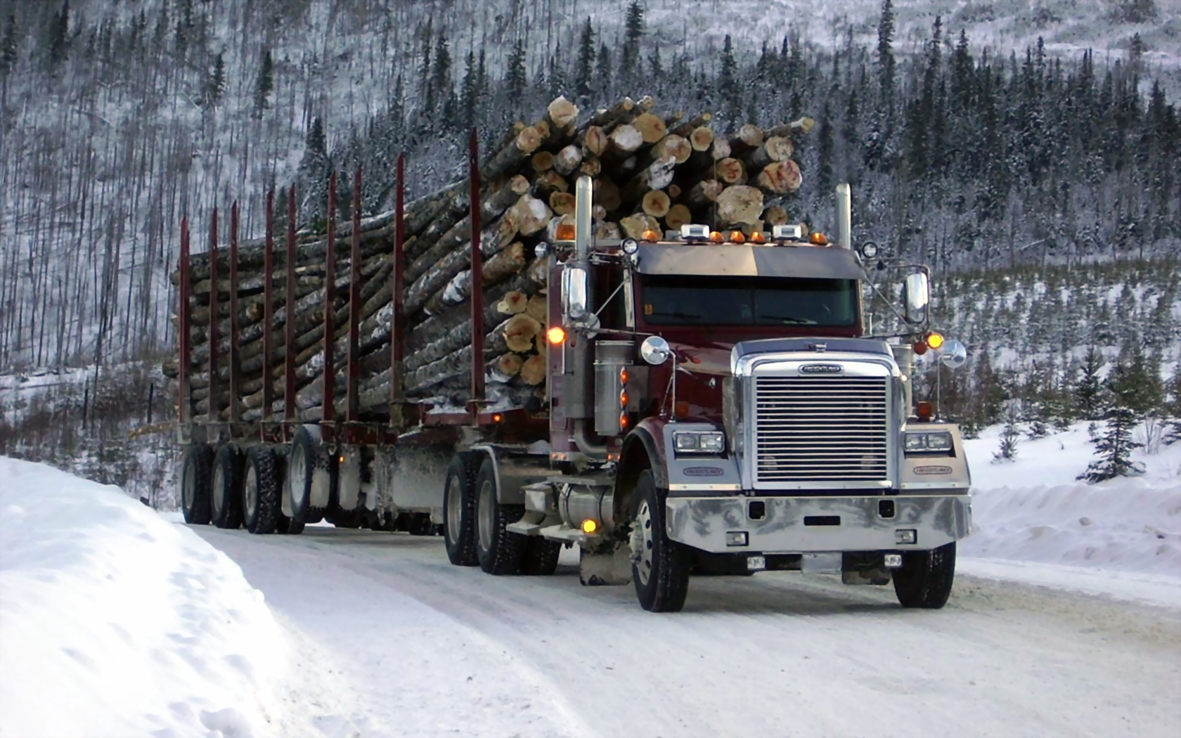 ... High quality Heavy Haulin' Freightliner Trucks wallpaper / 1680x1050