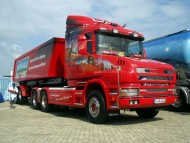 red trailer Scania / Trucks