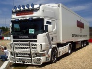 white trailer Scania / Trucks