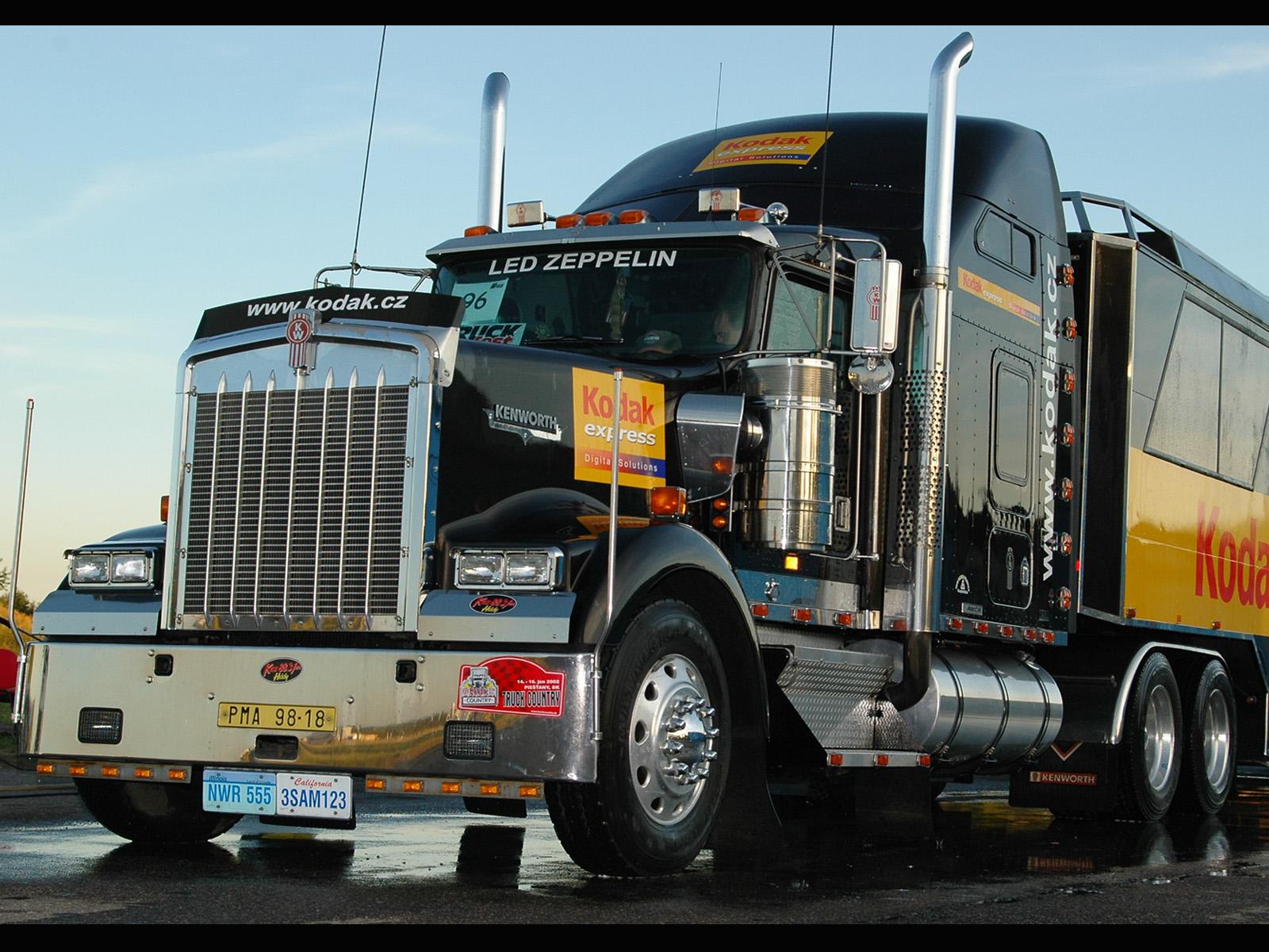 Download full size Trucks wallpaper / Vehicles / 1600x1200