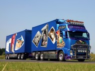 blue trailer Volvo / Trucks